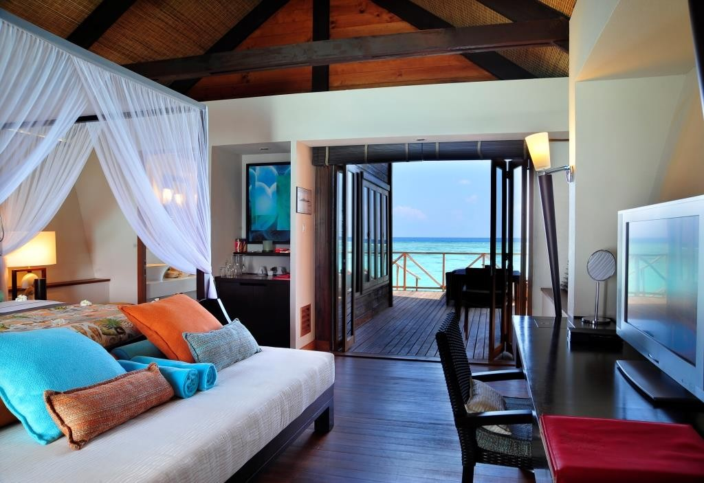 LUX_Maldives_water villa
