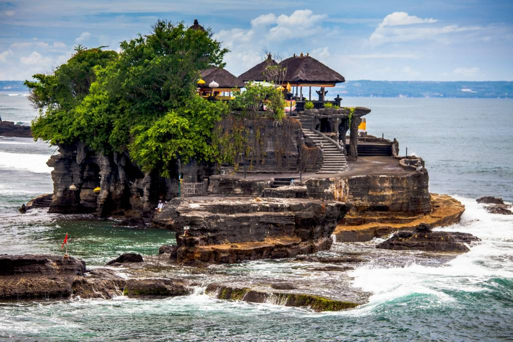 https://www.lokopoko.travel/wp-content/uploads/2015/09/bali-tanah-lot.jpg