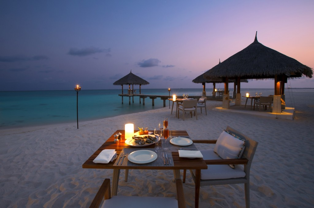Velassaru_Beach Dining